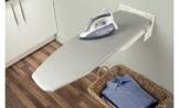 GedoTec® Bügelbrett Klappbar Ironfix Premium Bügeltisch-Bezug weiß mit Blumen | Klapptisch 180° drehbar | Stahl RAL 9016 | Wand-Bügelbrett für Wandmontage | Wand-Bügeltisch inkl. Wandhalterung, Bezug und Befestigungsset | Markenqualität für Ihren Wohnbereich